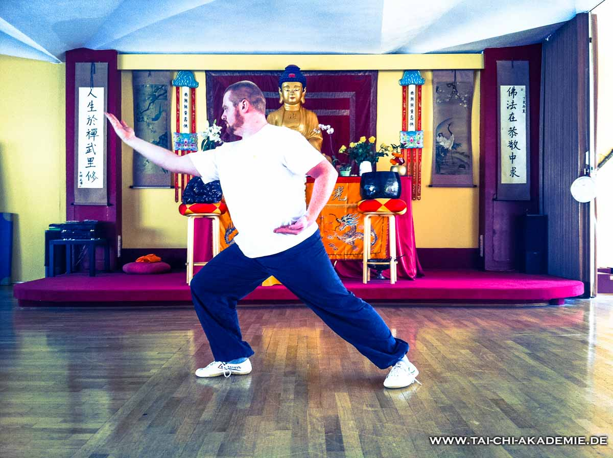 Kay Wicke beim Shaolin Qi Gong in der Buddhahalle
