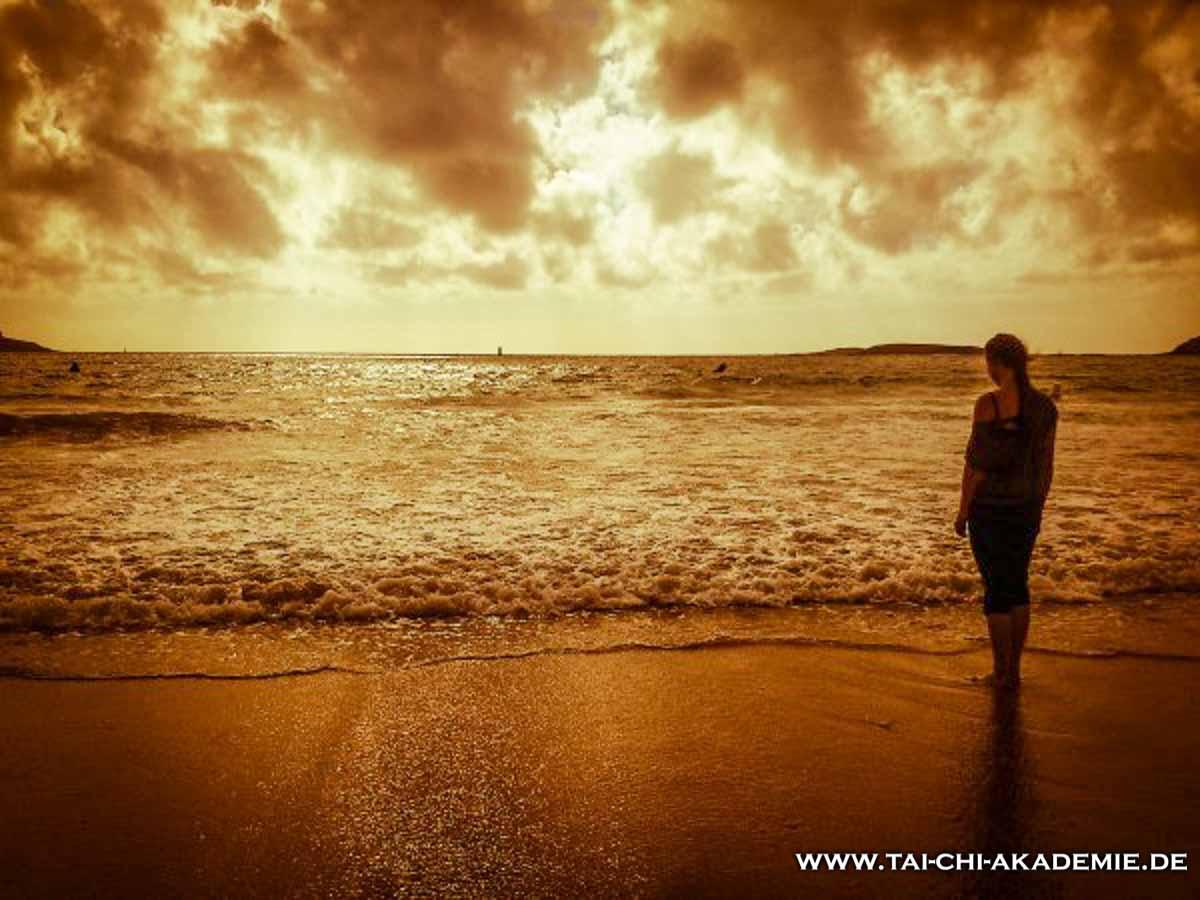 Nach dem Training muss man auch mal chillen. Also raus aus der Karateschule und ab an den Strand. Spanien hat seine Vorteile.