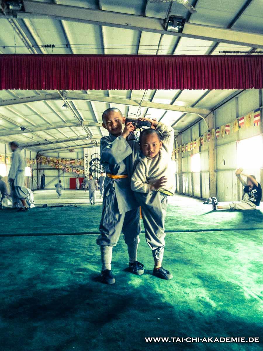 Große Leistungen, erfordern viel Disziplin. (Aufgenommen im Shaolin Tempel/China)
