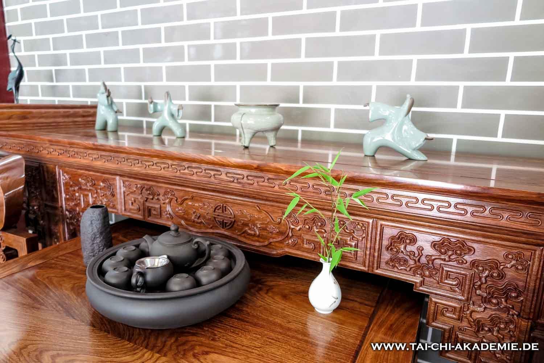 In WuDang spiegelt sich das Streben nach Harmonie nicht nur in den Dekorationen der Räume wieder, sondern auch in der Kampfkunst