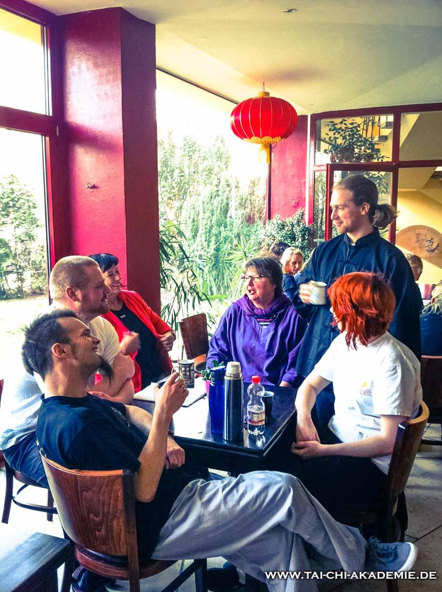 Ein Tee auf die Lehre des Bodhidarma, im gemütlichen Teehaus des Shaolin Tempels