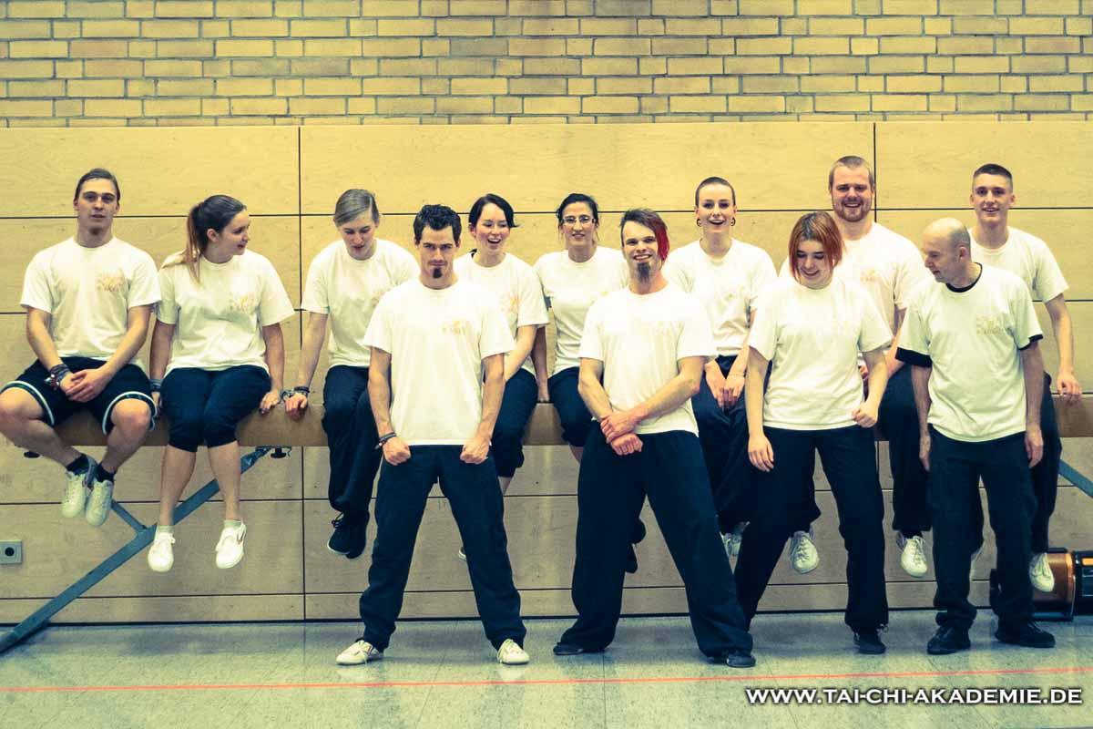 Mittlerweile haben wir 56 Kung Fu Schüler im Alter von 9 bis 59 Jahre.