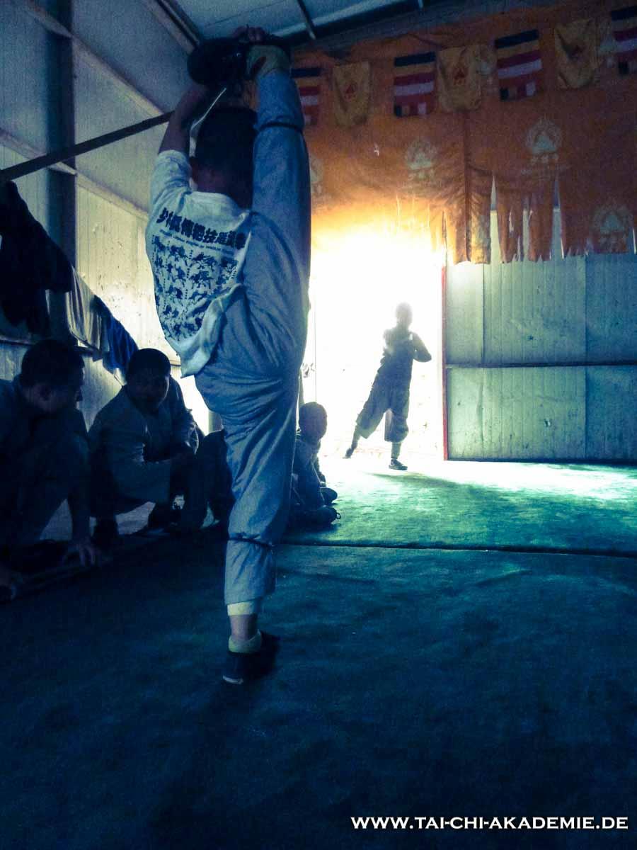 Im Shaolintempel wird von Montag bis Freitag trainiert. Samstag und Sonntag sind immer Trainingsfrei!