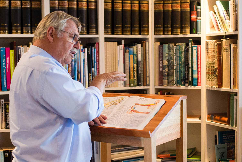 . Neubauer erklärt verständlich und unkompliziert, was oft in Arztpraxen zu kurz kommt.