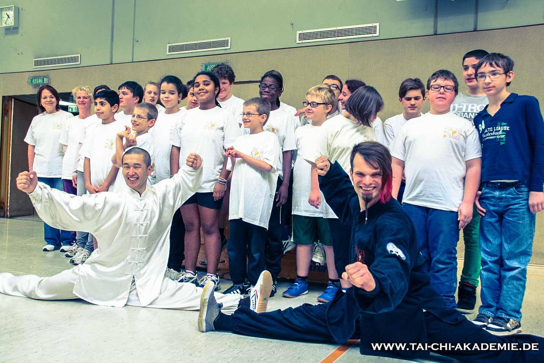 Ein besonderer Tag für die Kinder war der Besuch des Shaolin Meistern Shi Yan Rui vom Shaolin Kultur Zentrum Bielefeld.