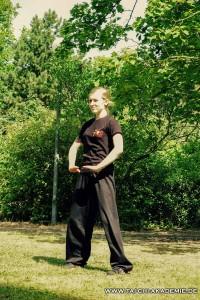 Seraina aus unserem Unterrichtsteam zeigt ihr Kung fu